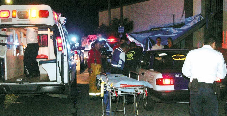 Atención. Paramédicos llevaron al lesionado a un hospital, donde quedó bajo observación médica