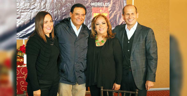 Encuentro. El legislador Jaime Álvarez se reunió con Tania Valentina, dirigente estatal del PT, y con el senador Benjamín Robles Montoya.