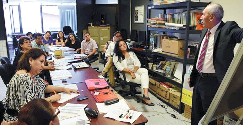 Oportunidad. Quienes deseen participar deberán ir a dejar sus papeles en las oficinas del IEBEM, de avenida Teopanzolco y Nueva Italia