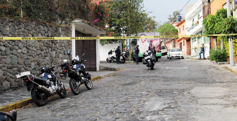 Hechos. Elementos policiacos acordonaron la zona luego de los disparos registrados tras el intento de robo.