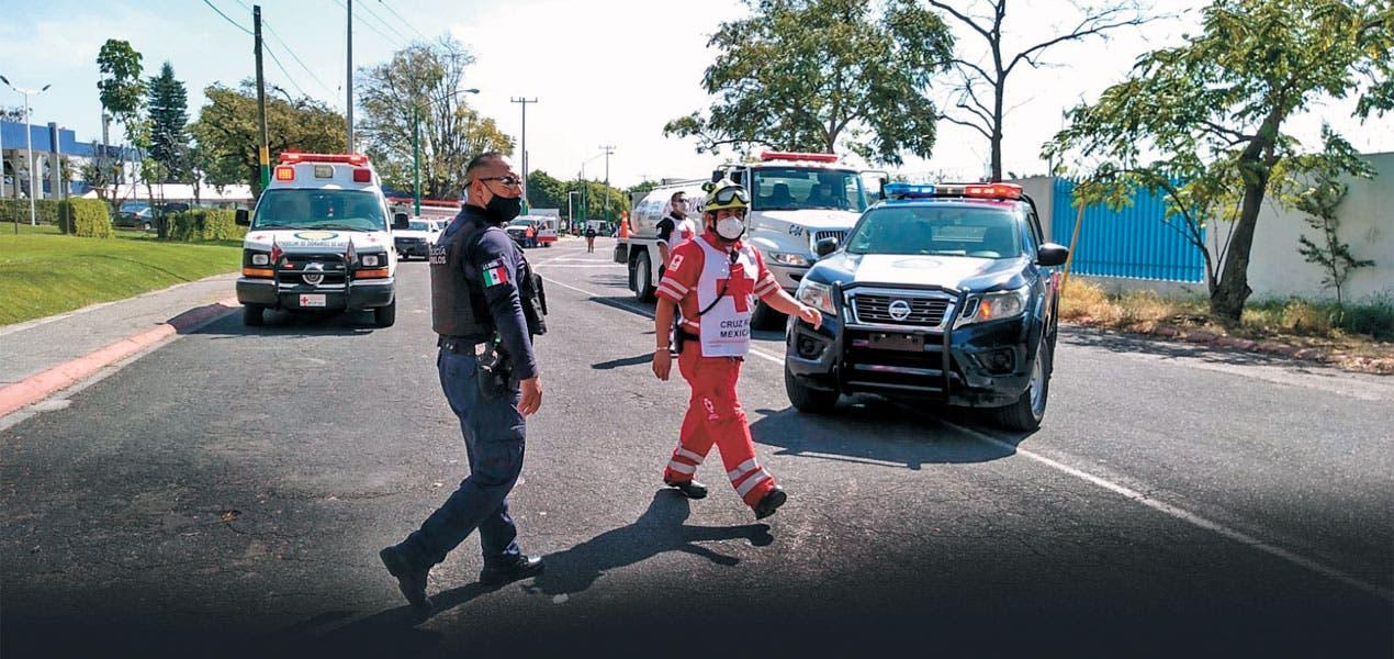 Evacuan a 142 por incendio en CIVAC, Jiutepec