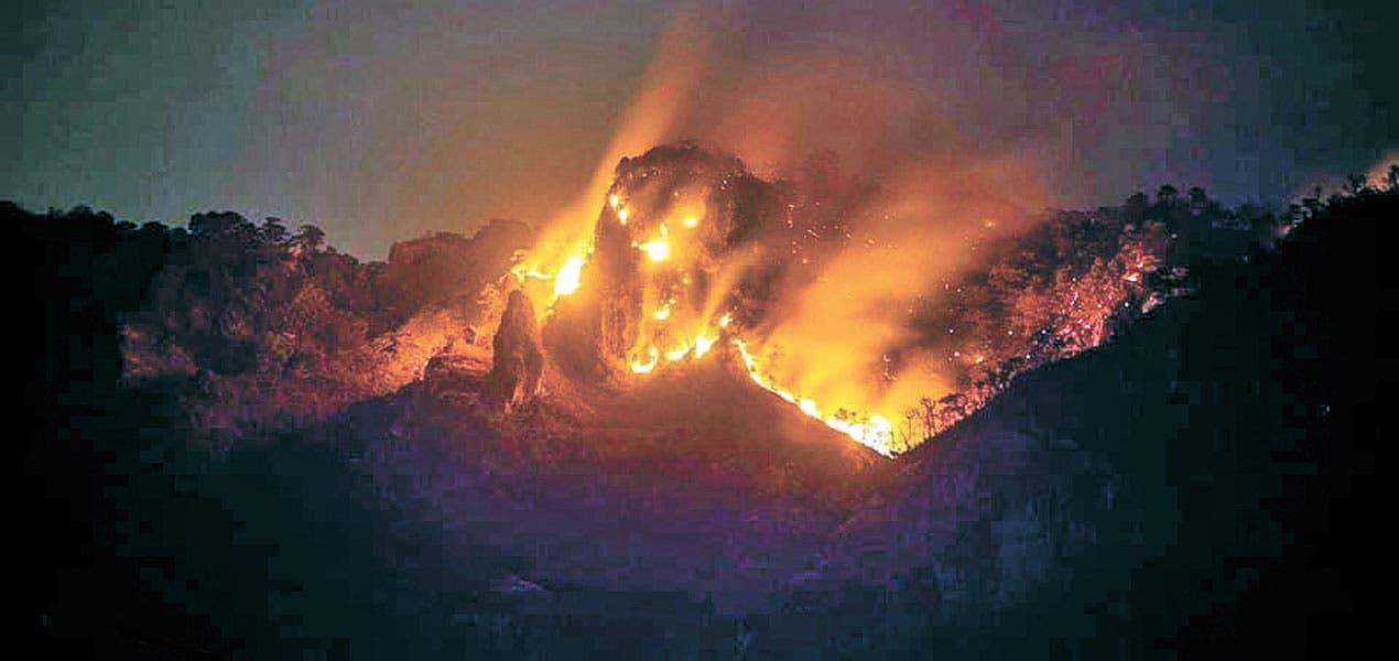 Sufren quemaduras seis brigadistas en incendio de Tepoztlán
