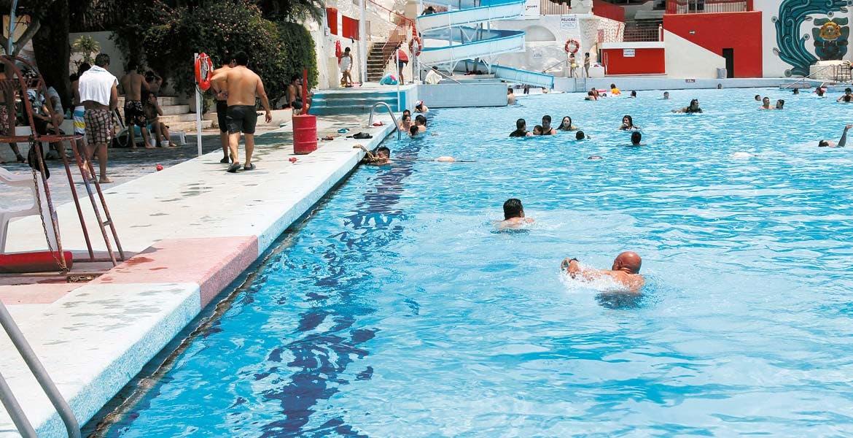 Balnearios De acuerdo con la Ley General de Hacienda, la tasa por los servicios de parques y balnearios es de 2.5 por ciento por cada boleto emitido Hoteles jPara hoteles, la tasa es de 3.75 sobre la tarifa de habitación por noche.