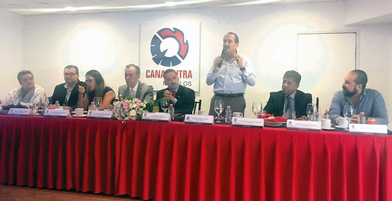 Encuentro. Ante los industriales, Jorge Messeguer dijo que el Morebús tendrá beneficios para todos los sectores