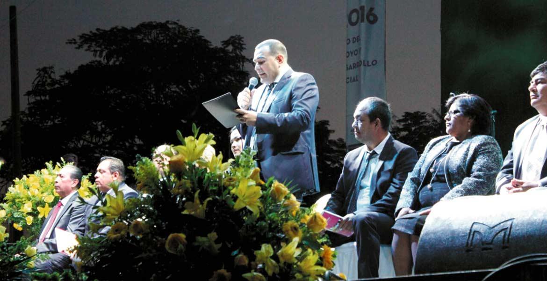 Cuentas. El alcalde Agustín Alonso rindió su informe en una sesión de cabildo abierta. Lo acompañaron, alcaldes y ex alcaldes, diputados federales y el pueblo de Yautepec.