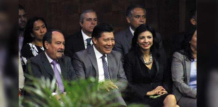 Gabinete. El secretario de Gobierno, Matías Quiroz, asistió a la apertura de sesio nes como represetante del Ejecutivo; miembros del gabinete estuvieron presentes.