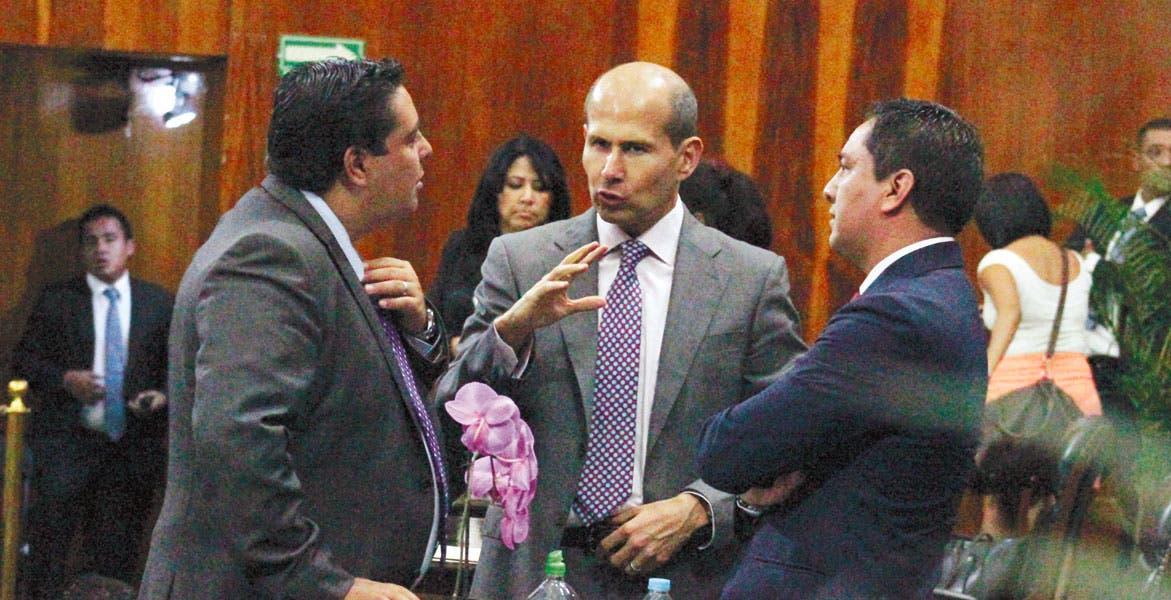 Créditos. El diputado Jaime Álvarez propone reglas de operación similares a la banca comercial para el Instituto de Crédito.