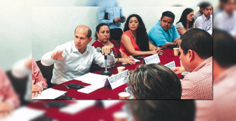 Encuentro. Jaime Álvarez y líderes de la Coalición de Sindicatos, el pasado jueves.