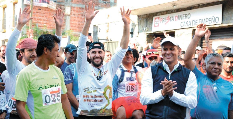 Impulso. Jaime Álvarez favorece el deporte en Tepoztlán y le reconocen apoyo para generar mejor calidad de vida.