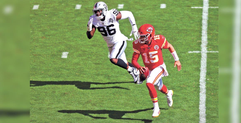 Raiders propinan primer descalabro a Kansas City Chiefs