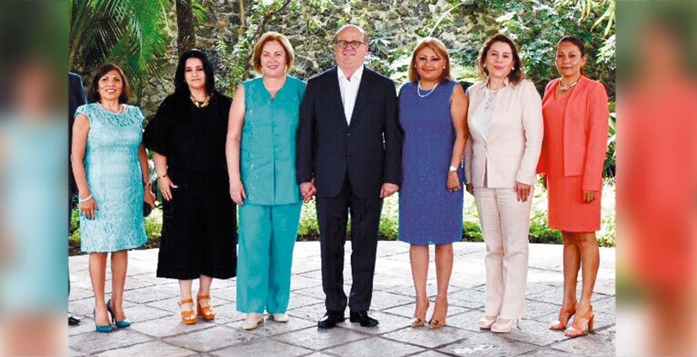 Encuentro. El Gobernador Graco Ramírez se reunió ayer con magistrados y autoridades de la Fiscalía General