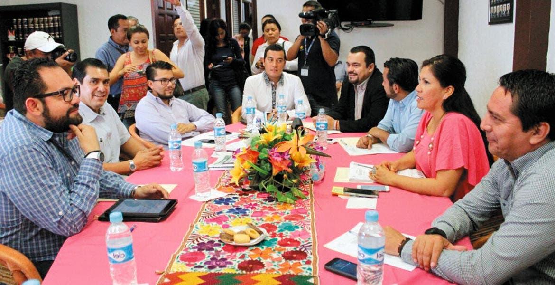 Impacto económico jEs el tema que abordarán los representantes de las fuerzas políticas para decidir la creación alcaldías indígenas. 37 municipios tendría Morelos de aprobar los autónomos