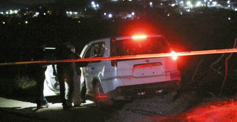 Diligencias. Dos camionetas en donde viajaba un grupo de sicarios que iban a levantar a un albañil, fueron aseguradas tras ser abandonadas en la colonia Ejidos de Progreso, de Jiutepec, luego de que se enfrentaran a balazos con policías estatales.