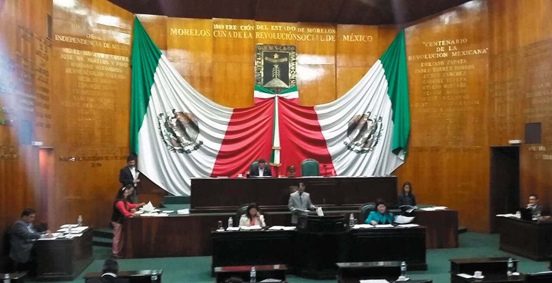 Cumplen. Diputados en la primera sesión de su segundo año legislativo.