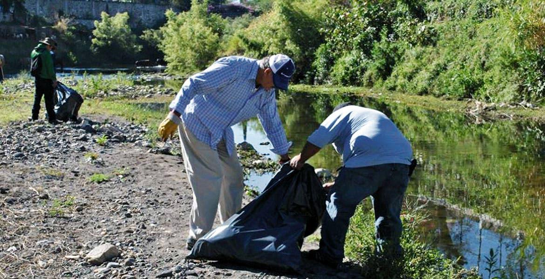 Labor. Quince toneladas de desechos inorgánicos se han recolectado en barrancas.