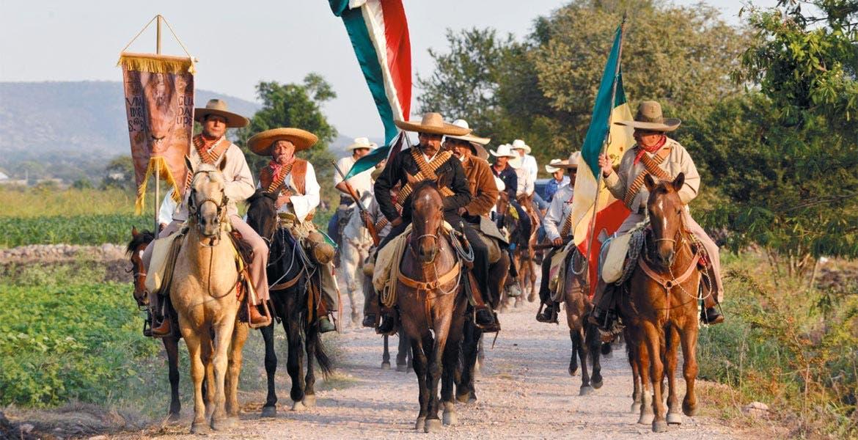 """Ha cabalgado. """"Los Jinetes del Tiempo"""" ha sido exhibida en festivales de India, Martinica, EU y Cuba, y hoy se exhibe en Cuernavaca con entrada gratuita."""