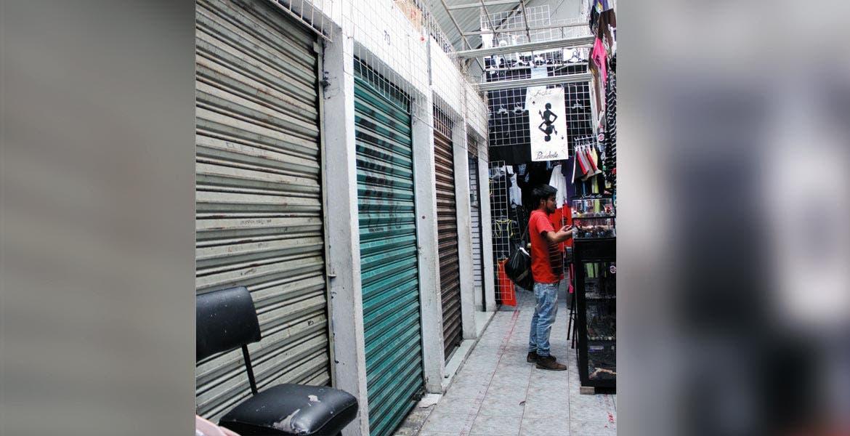 Abandonados. Buscan sacarle provecho a los espacios vacíos de las plazas Lido y Degollado, además de dar certeza jurídica a los actuales locatarios.