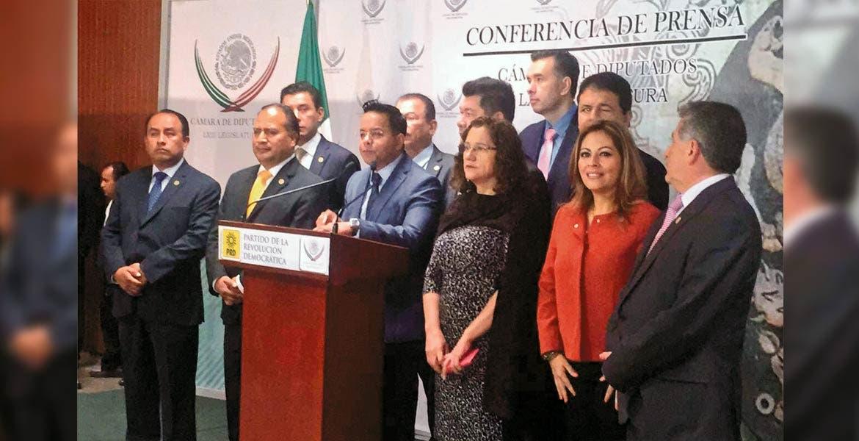 Irregularidades. El grupo parlamentario del PRD, en voz de Lucía Meza, pidió mediante punto de acuerdo la aceleración de las investigaciones interpuestas ante la Procuraduría General de la República.