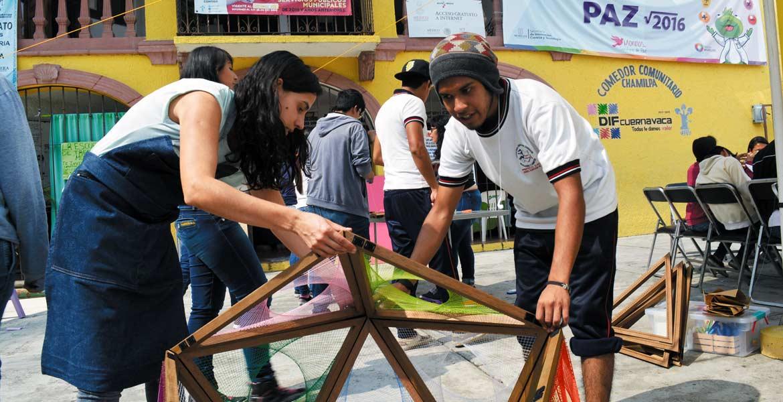 Actividades. Habitantes de la colonia Chamilpa disfrutaron de los talleres lúdicos y de aprendizaje.
