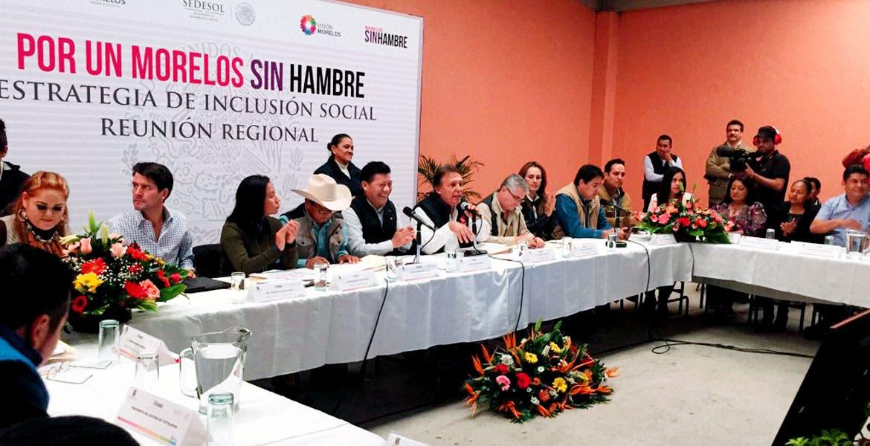 Reunión. El secretario de Gobierno, Matías Quiroz Medina, sostuvo un encuentro con alcaldes de la región Oriente de la entidad.