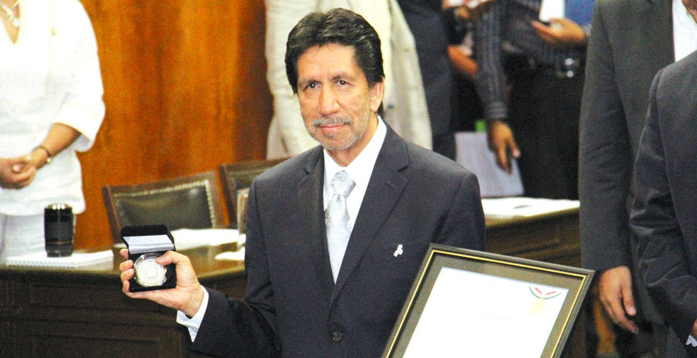Edición 2015. La Medalla de Honor del Congreso fue entregada al doctor en Ecología Rodolfo Dirzo Minjarez.