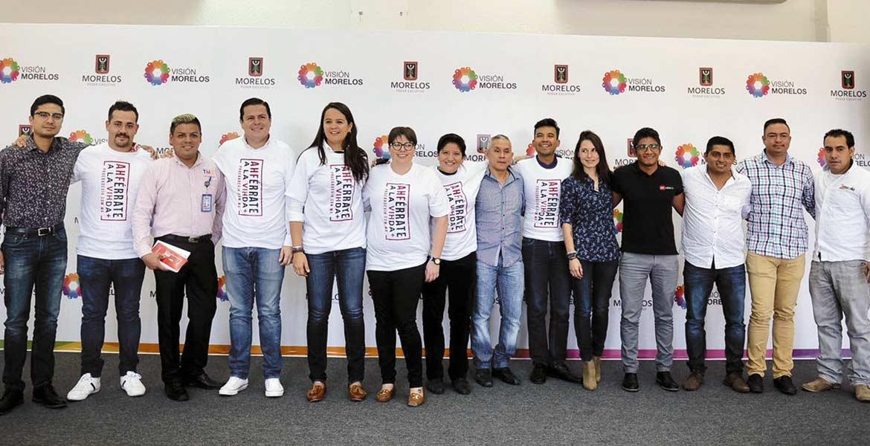 """Presentación. Autoridades del Impajoven y del Instituto del Deporte durante el anuncio de la campaña """"Ahférrate a la vida+"""", en coordinación con la asociación civil AHF México."""