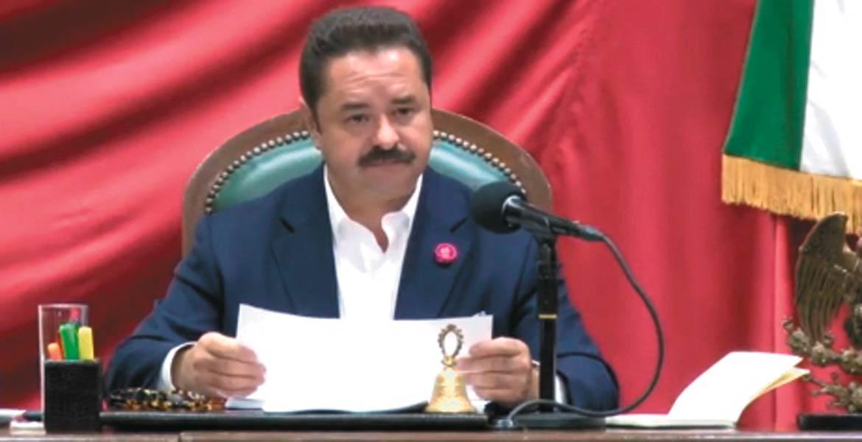 Oficial. El diputado Francisco Moreno Merino, presidente del Congreso, declaró la validez de la reforma constitucional.