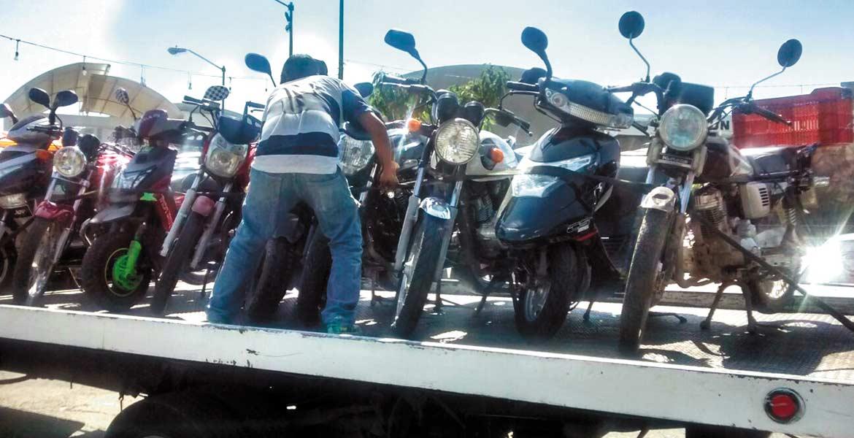 Incidencia. Habitantes aseguran que las motocicletas, en especial las que circulan sin placas, son utlizadas por sujetos para cometer asaltos.