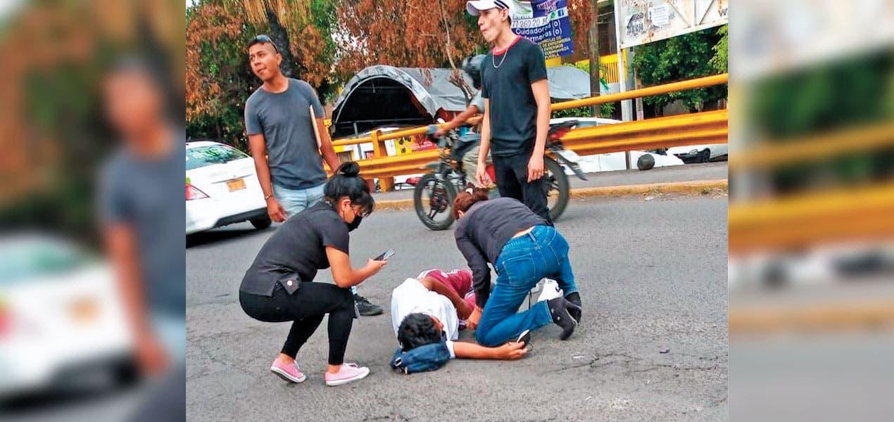 Motociclista arrolla a mujer en la México-Oaxaca