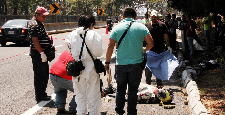 Deceso. Cristóbal Valenzuela Jiménez murió al derrapar en su moto, luego de que saliera con sus amigos a recorrer la autopista México-Cuernavaca.