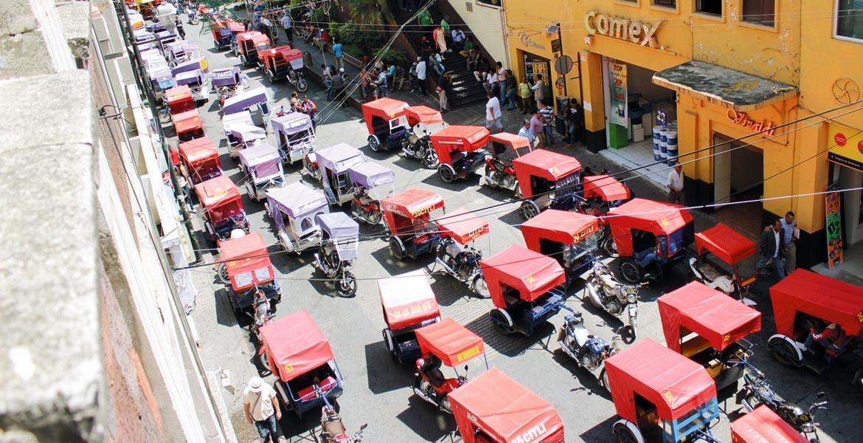 Manifestación. Mototaxistas de Xoxocotla llegaron hasta el Congreso para exigir su regularización.
