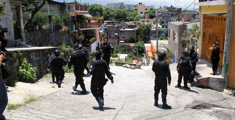 Diligencias. A pesar de que policías estatales 'peinaron' los alrededores en busca de los asesinos de la señora no lograron dar con ellos.