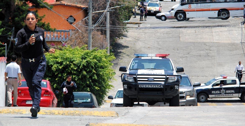 Ejecución. A pesar de la movilización, el lunes policías estatales no lograron dar con los asesinos de Griselda y su hija de 5 años.
