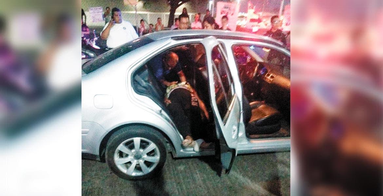 Deceso. Una mujer de nombre María Félix murió al llegar a la entrada del Hospital General de Cuautla, tras ser atropellada en el poblado de Casasano