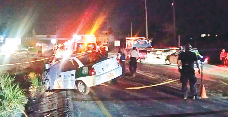 Deceso. Silvestre quedó sin vida en su taxi, tras chocar contra una barra de contención que atravesó el coche, en la carretera Izúcar-Cuautla, a la altura de la colonia Juan Morales, en Yecapixtla.
