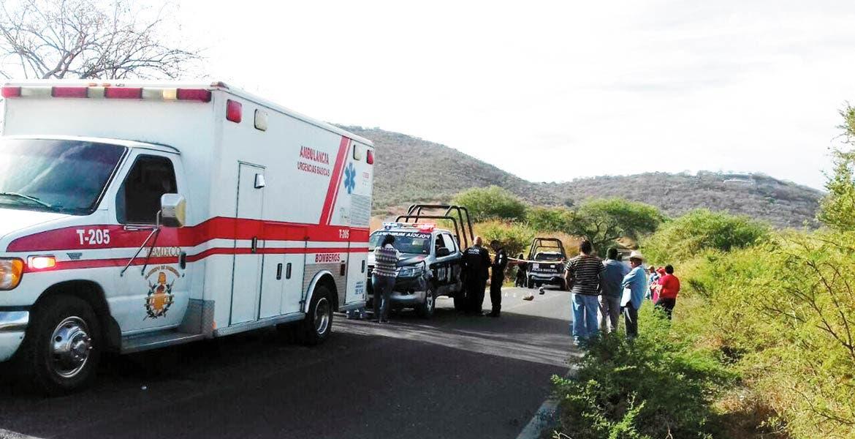 Homicidio. Un hombre fue asesinado a balazos y abandonado a mitad de la carretera Tetlama-Temixco, cerca de las ruinas de Xochicalco.