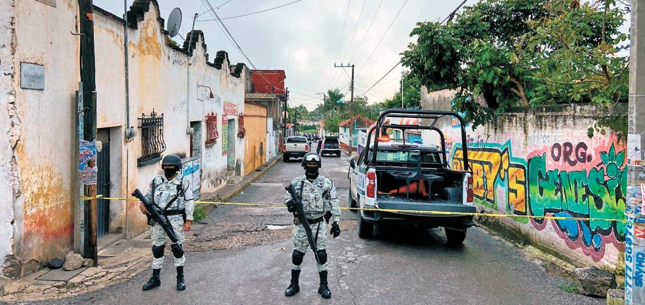 Dejan cadáver en cobijas en Emiliano Zapata