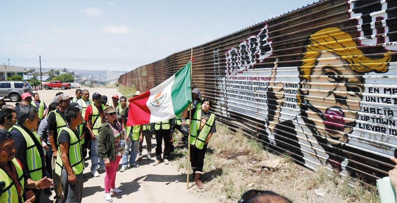 Hay temor. Los migrantes morelenses siguen atentos a las decisiones que toma Donald Trump , pues temen que se intensifique la 'cacería' de ilegales.
