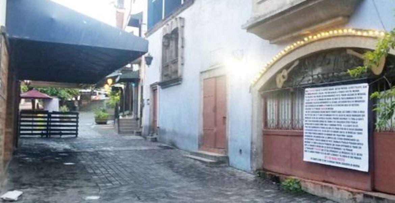 """Dejan """"manta"""" con mensaje en Plazuela del Zacate, en Cuernavaca"""