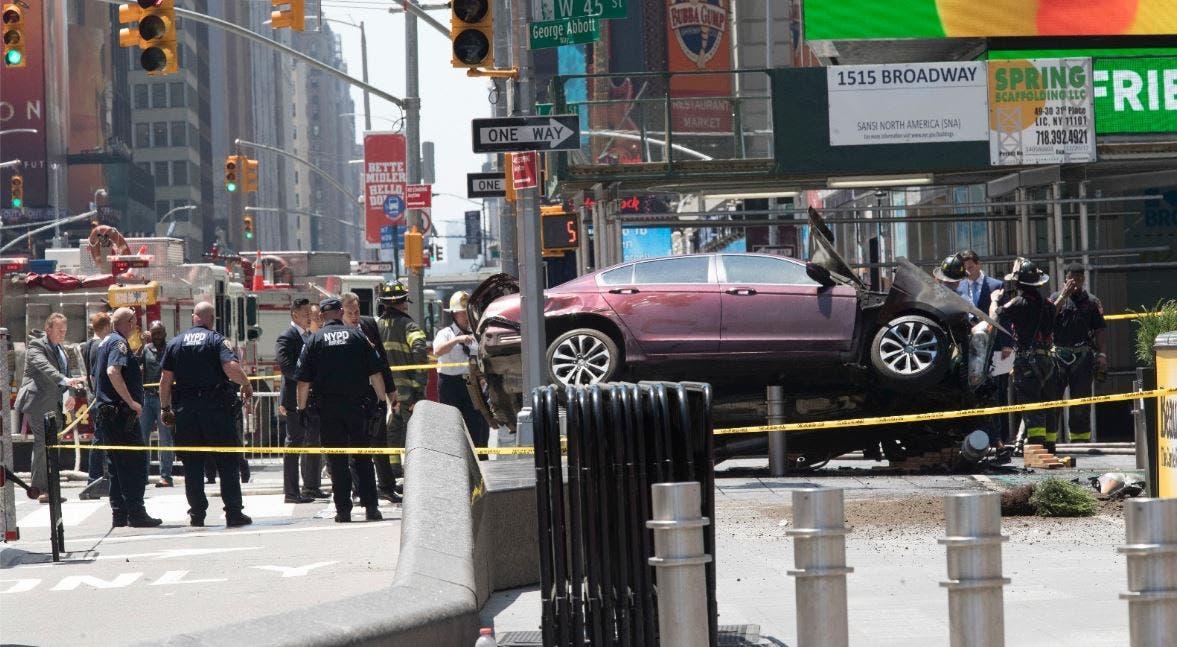Nueva York: un automóvil atropelló al menos a 10 personas