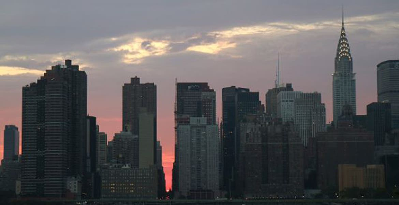 arquitecto se marea y cae de un edificio de pisos en nueva york