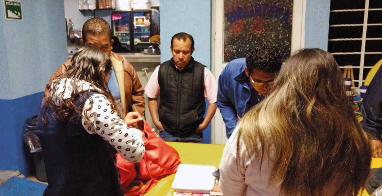 Por seguridad. Los padres de familia solicitaron la revisión de mochilas, en coordinación con observadores de la Comisión de Derechos Humanos de Morelos.