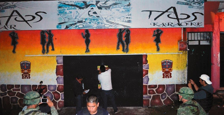 Suspensión. Autoridades clausuraron cinco antros por vender alcohol a menores.