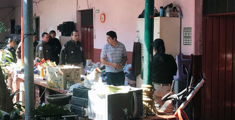 Inspección. Agentes migratorios revisaron seis casas de huéspedes de la calle Aragón y León, del Centro de Cuernavaca, en busca de indocumentados.