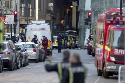 Policía dispara 50 veces contra sospechosos del atentado de Londres