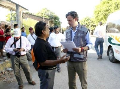 Peña Nieto garantiza entrega directa de ayuda a damnificados