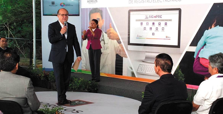 Evento. El Gobernador Graco Ramírez durante la presentación del denominado Sistema de Expediente Médico Personalizado de Registro Electrónico (SIEMPRE).