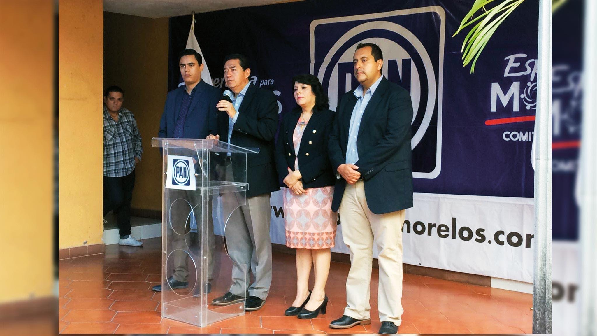 Esa no. Sobre la revocación de mandato, el diputado Víctor Caballero dijo que esta figura no está contemplada porque la Constitución Federal no la considera.
