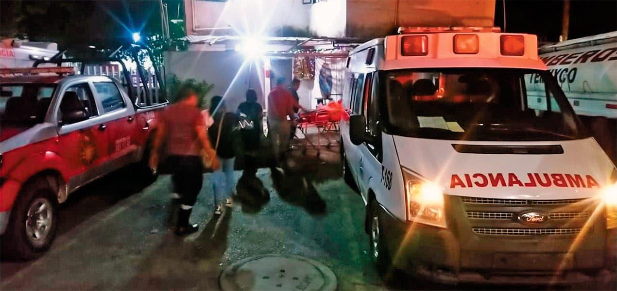 Mujer da luz a bordo de un taxi en Temixco, la asistió una paramédica