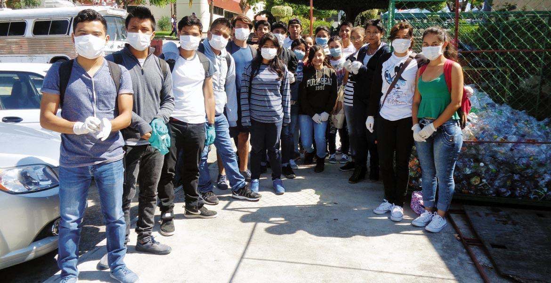 Generación ecológica. Los jóvenes de la UTEZ promueven entre la plantilla escolar y laboral el cuidado al medio ambiente y ello se refleja en la creación de las Patrullas Ambientales